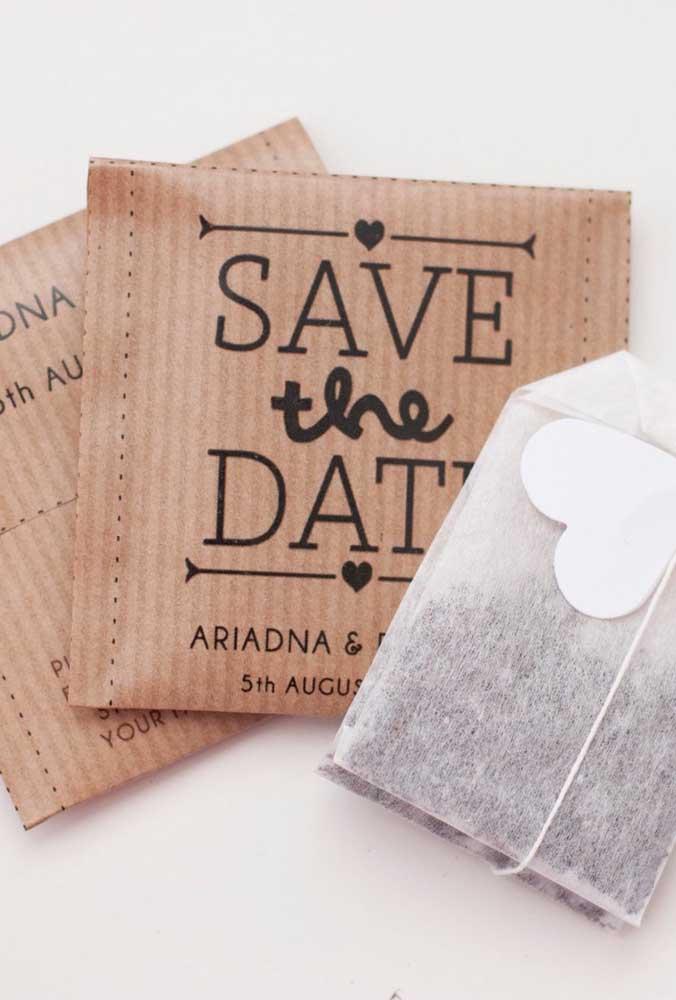 Aqui, o Save the date é um saquinho de chá. Muito criativa essa ideia!