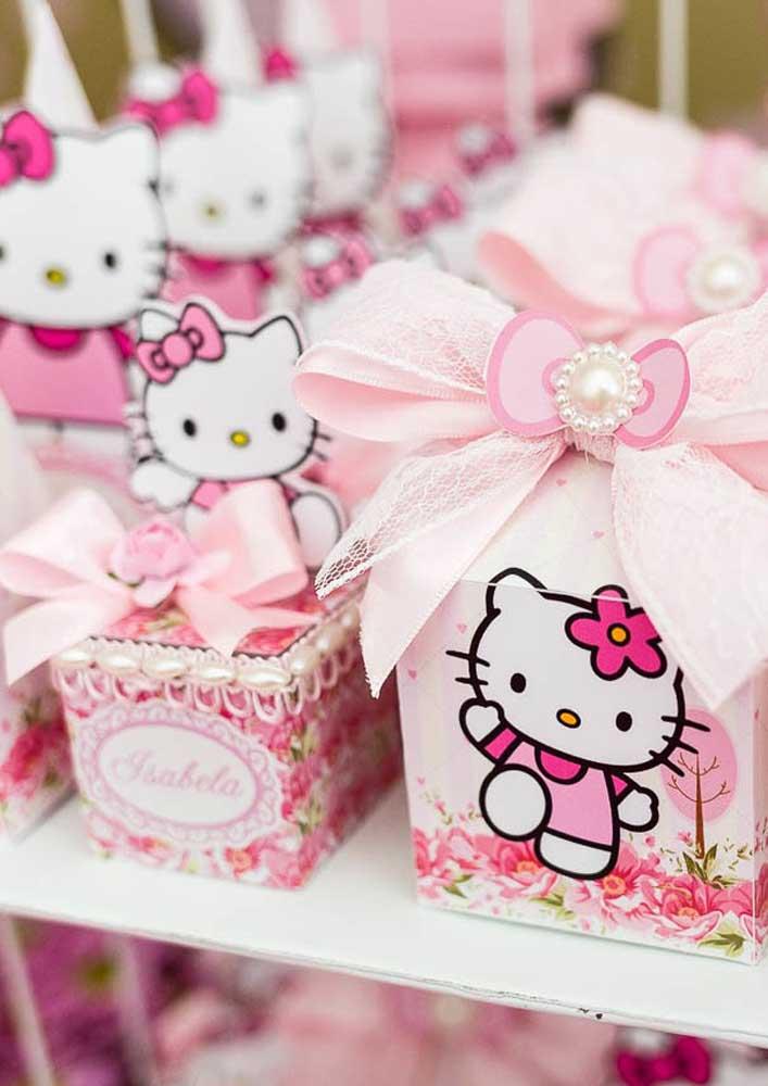 Olha a delicadeza dessas peças que você pode entregar como lembrancinha Hello Kitty.