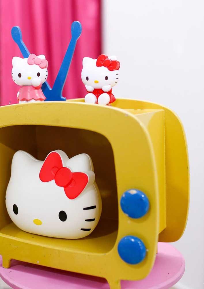 Capriche nos detalhes na hora de fazer a decoração Hello Kitty.