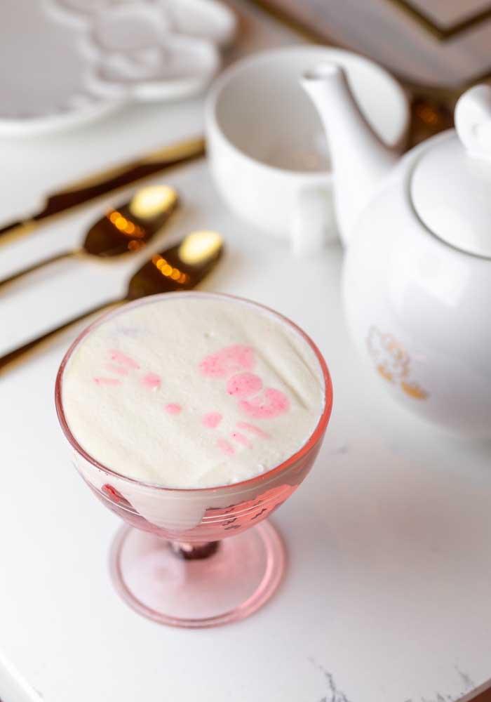 Contrate um profissional para fazer bebidas personalizadas para seus convidados.
