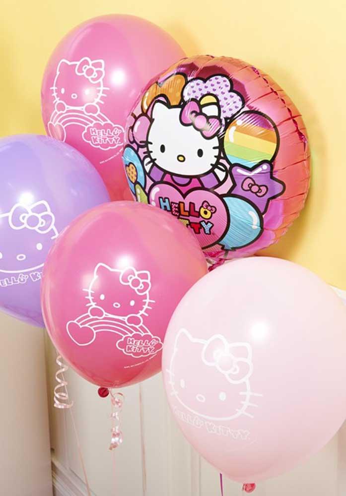 Os balões personalizados com a personagem Hello Kitty podem ser encontrados em lojas de festas.