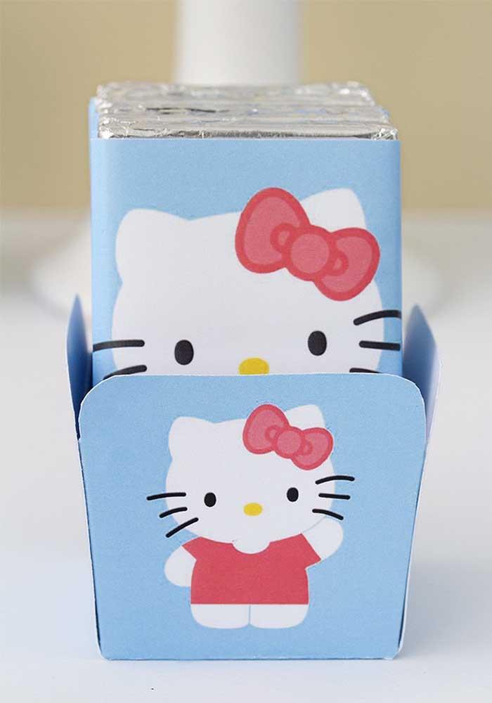 Faça você mesmo algumas peças para colocar as guloseimas da festa Hello Kitty.