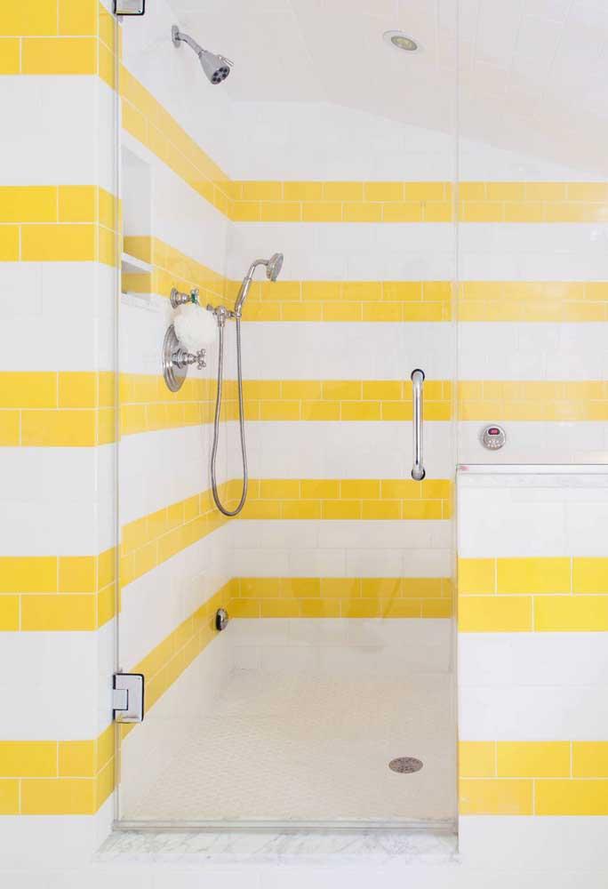 Faixas em amarelo e branco