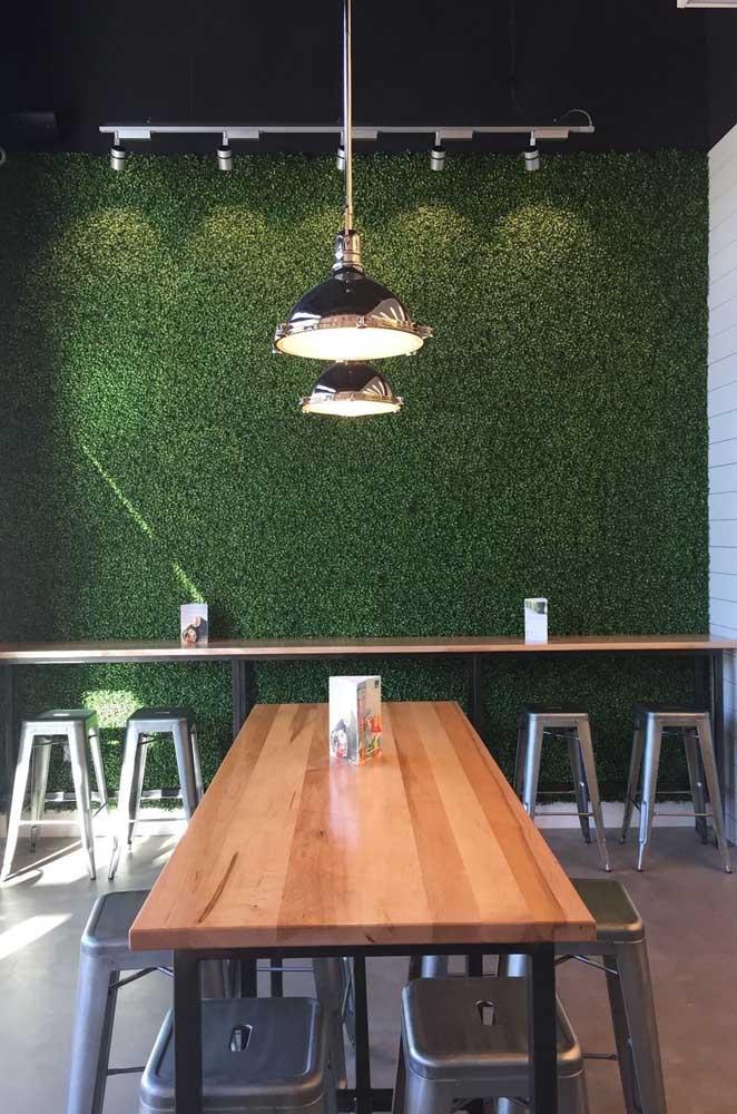 Um muro inglês lindo para decorar sua área externa, pense nisso!