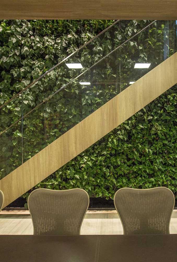 Transforme a parede da escada com um muro inglês