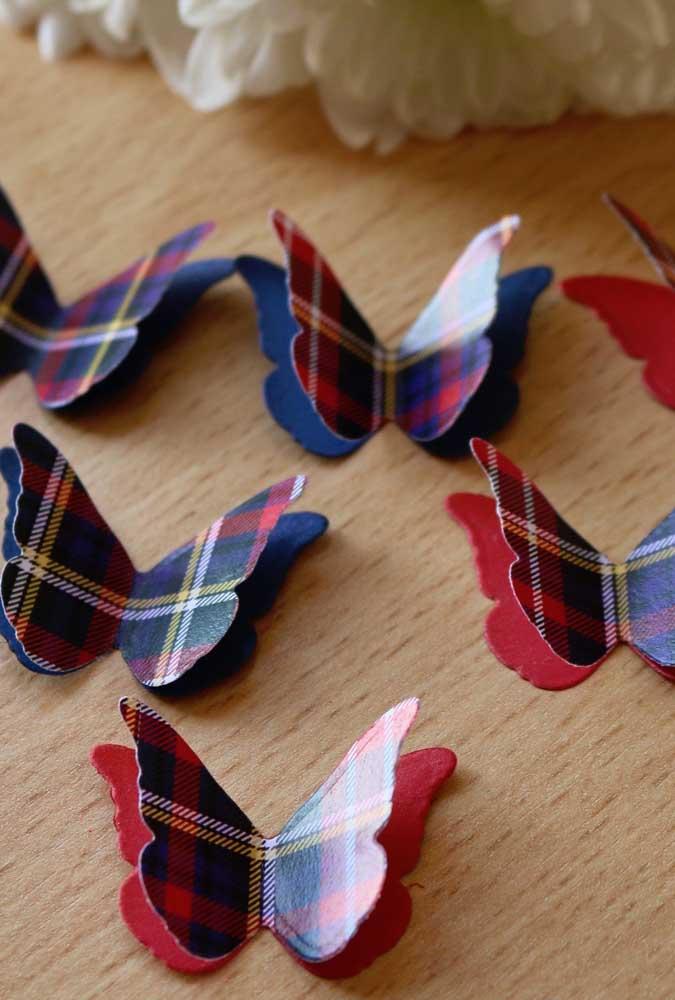 Uma fofura essas borboletas de papel xadrez. Criativas e originais