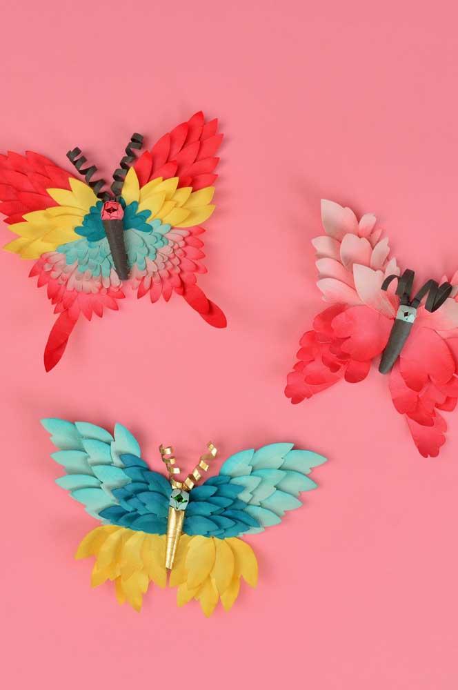 Já por aqui, são as borboletas coloridas e volumosas que chamam a atenção