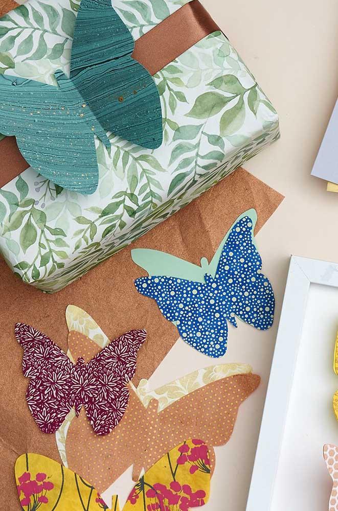 Borboletas de papel em estilo patchwork