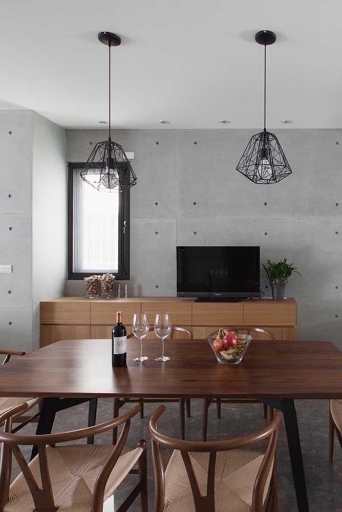 Para quem acha que vidro jateado é coisa só de banheiro e cozinha, essa sala de jantar vem provar o contrário