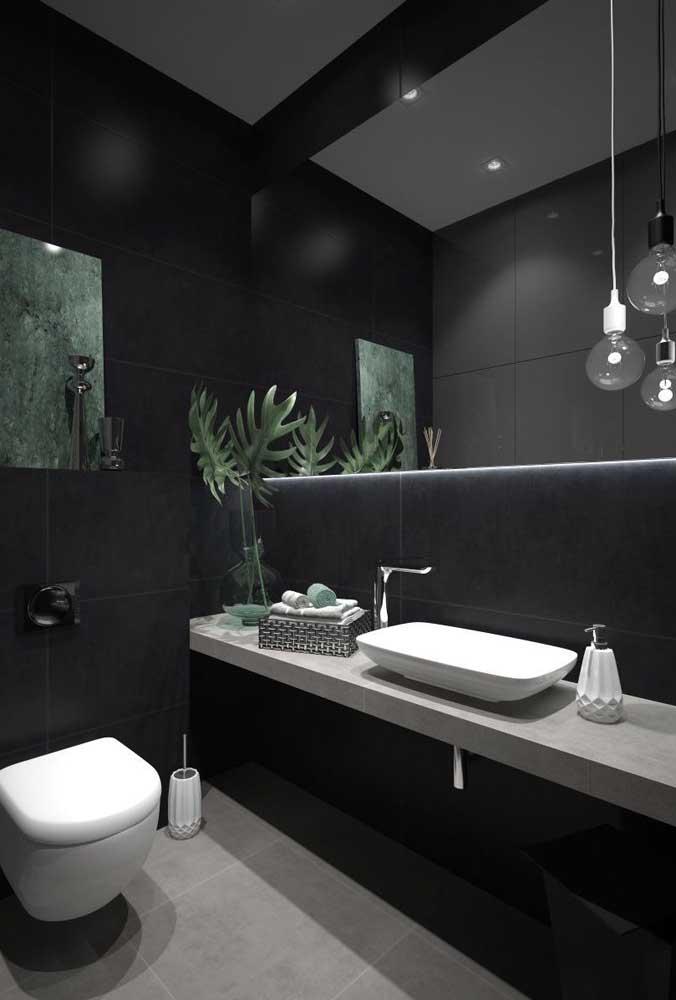 Banheiro todo preto. Por que não?