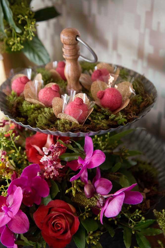 Decoração com flores de inverno: orquídeas e rosas