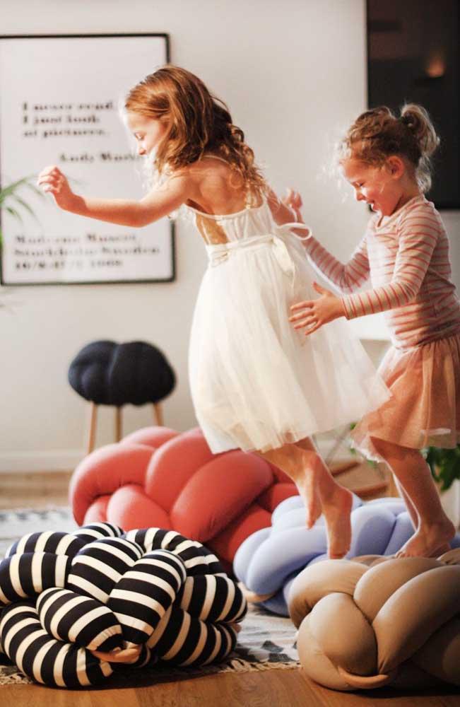 Almofada de nó para completar a diversão da criançada
