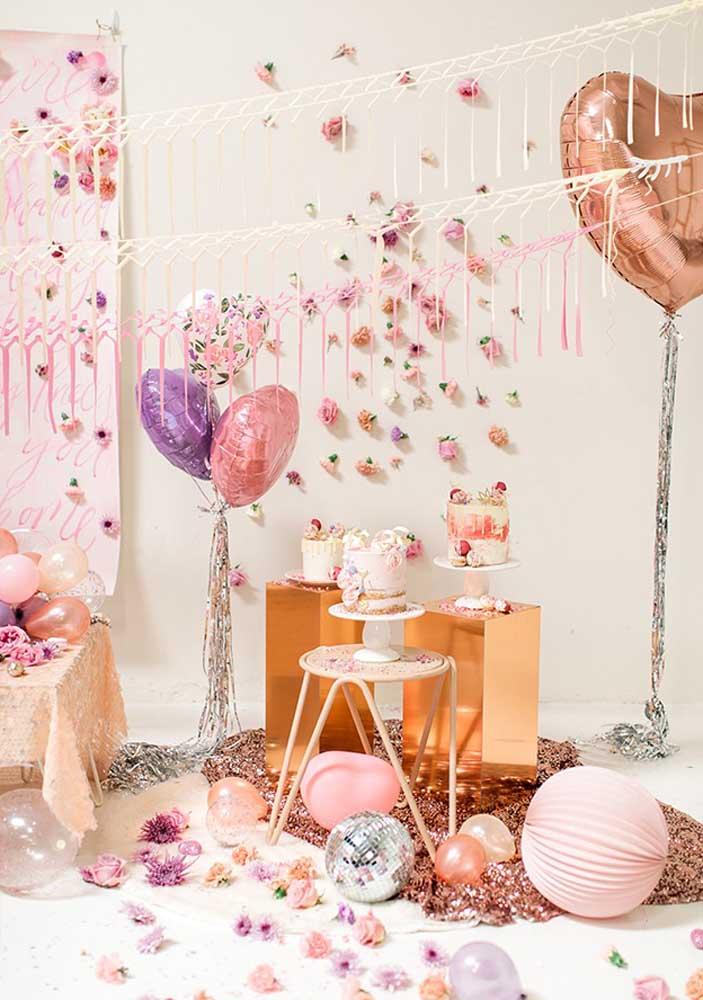 Festa surpresa com toque romântico e delicado