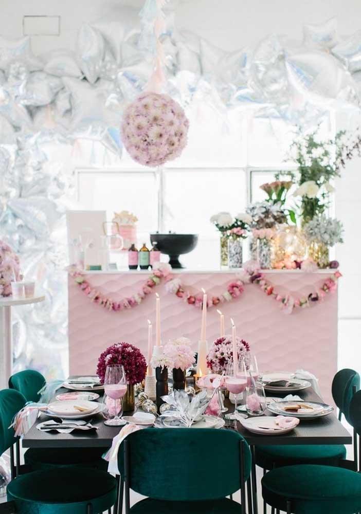 Festa surpresa decorada para poucas pessoas
