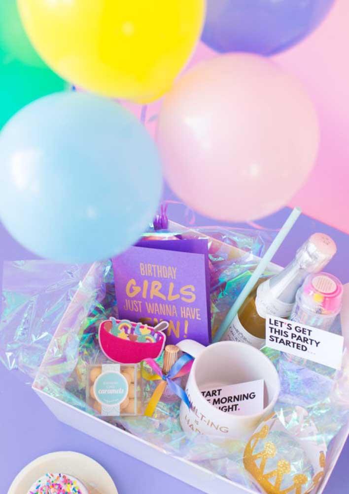 A festa surpresa na caixa é perfeita para comemorações intimas entre casais