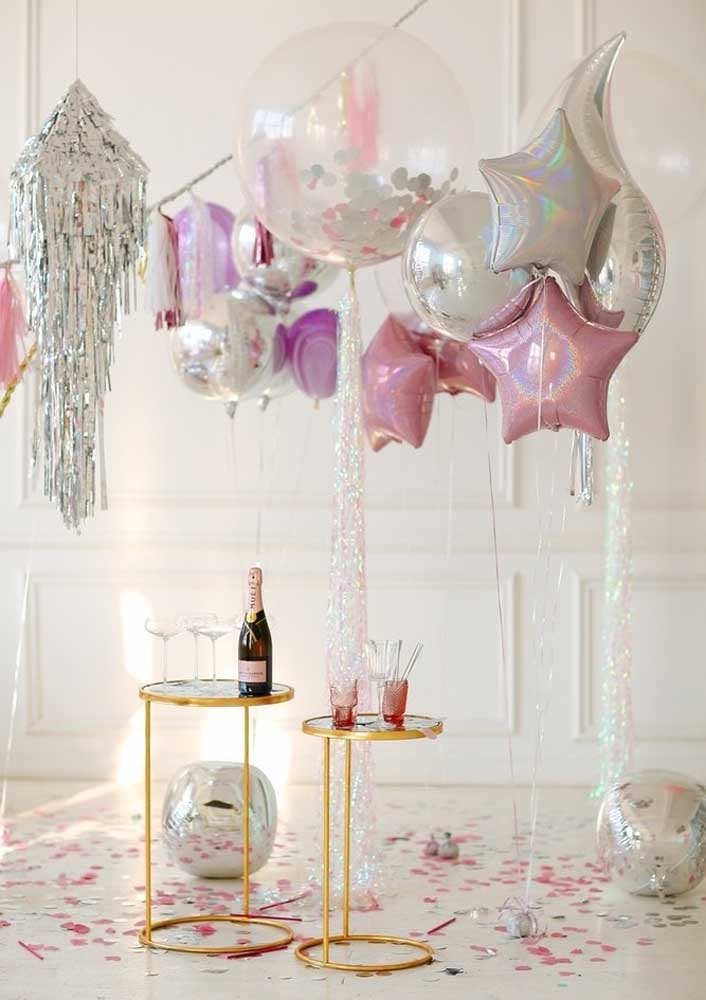 Champanhe para brindar o aniversariante. A bebida não pode faltar