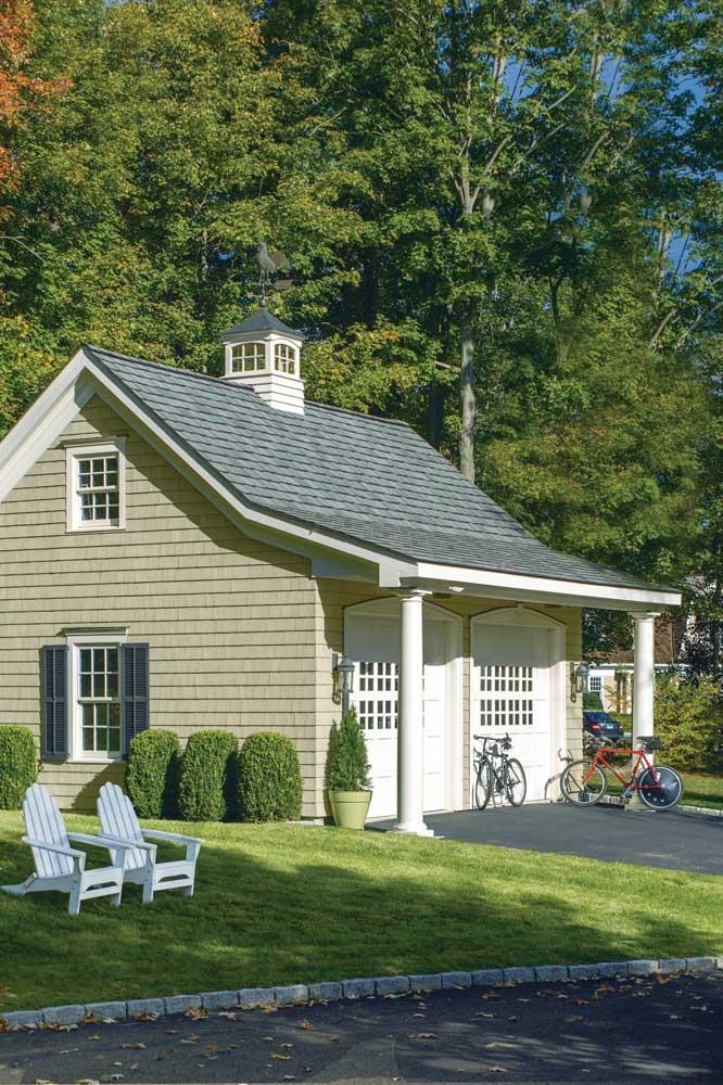 Aquela casinha dos sonhos que você sempre quis, sabe? Então, pode apostar que tem um telhado shingle nela