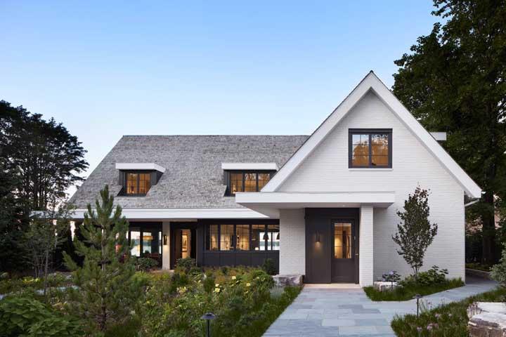 Telhados curvos e com detalhes podem e devem fazer uso da telha shingle