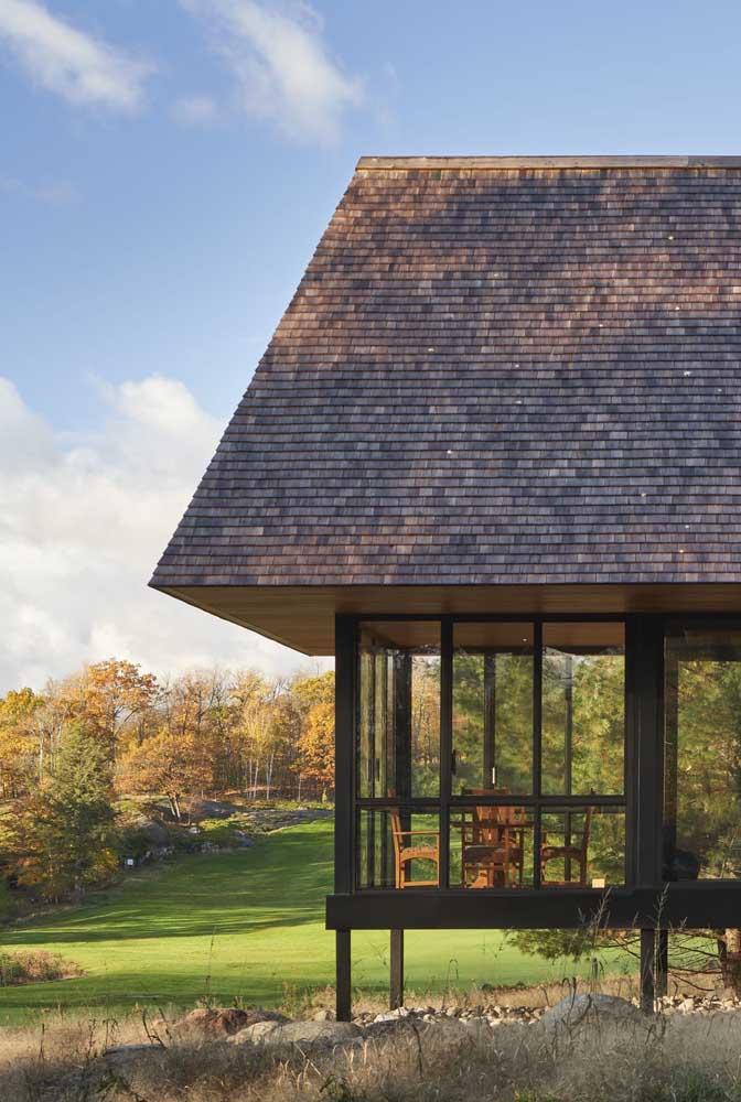 Vedação completa com as telhas shingle. Pode chover a vontade!