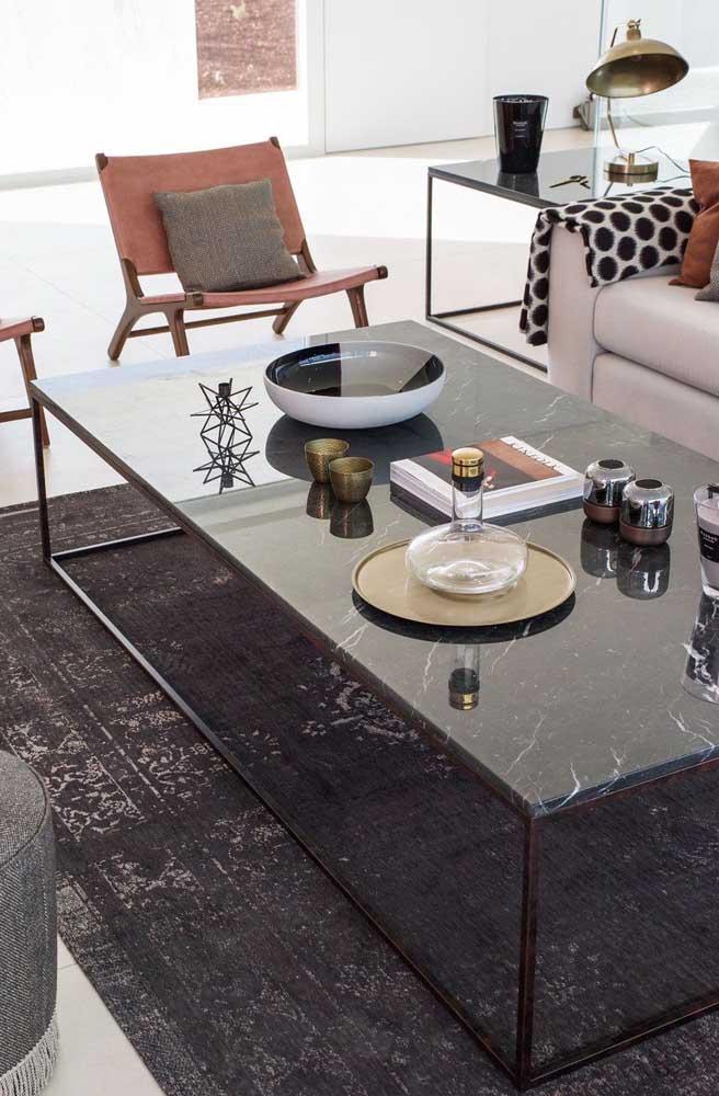Mesa de centro retangular em mármore. Um toque de glamour e luxuosidade para sala de estar