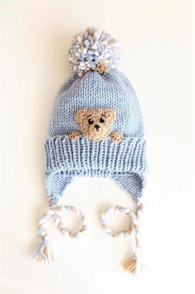 Um mimo essa touca de crochê para bebê com ursinho