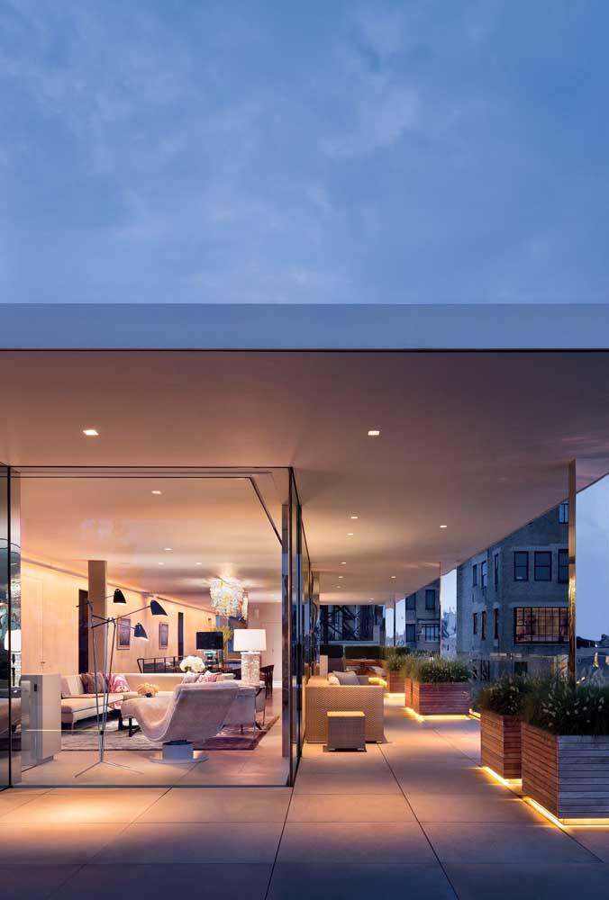 Que tal uma penthouse de vidro? Um luxo que só quem mora nas alturas pode se dar