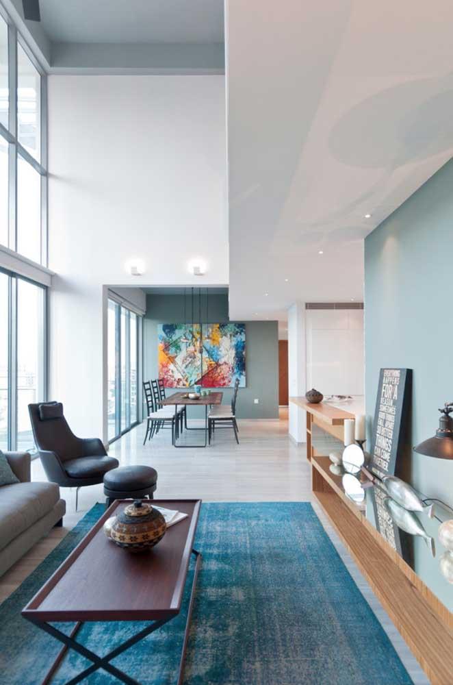 Arquitetura moderna marcante nesse projeto de penthouse