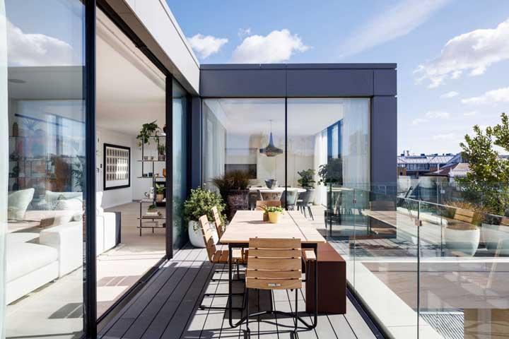 Sol, varanda e uma vista espetacular. Você pode ter isso e muito mais com a penthouse