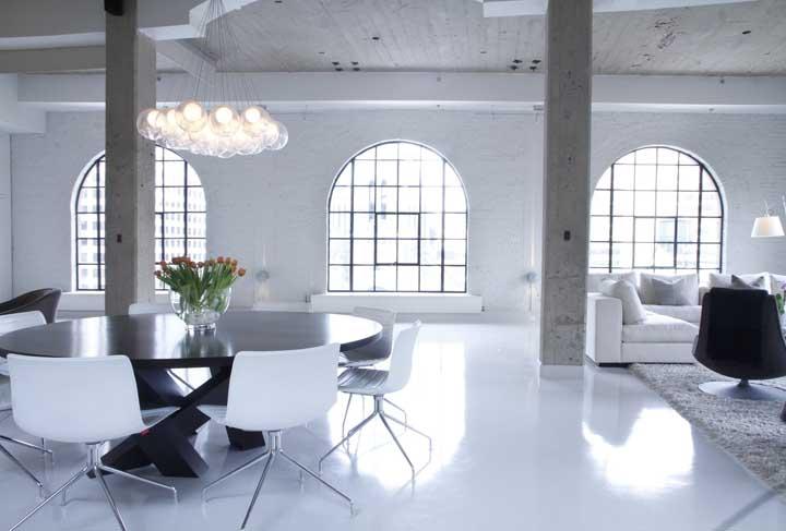 O clássico e o moderno convivem muito bem nesse projeto de penthouse