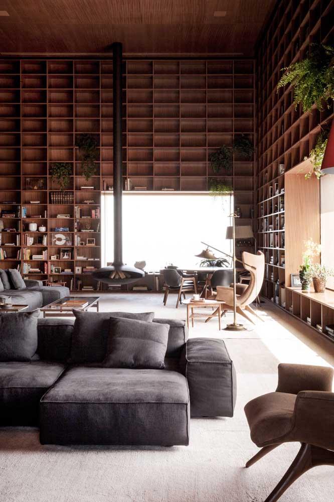 Penthouse elegante e luxuosa toda decorada em madeira