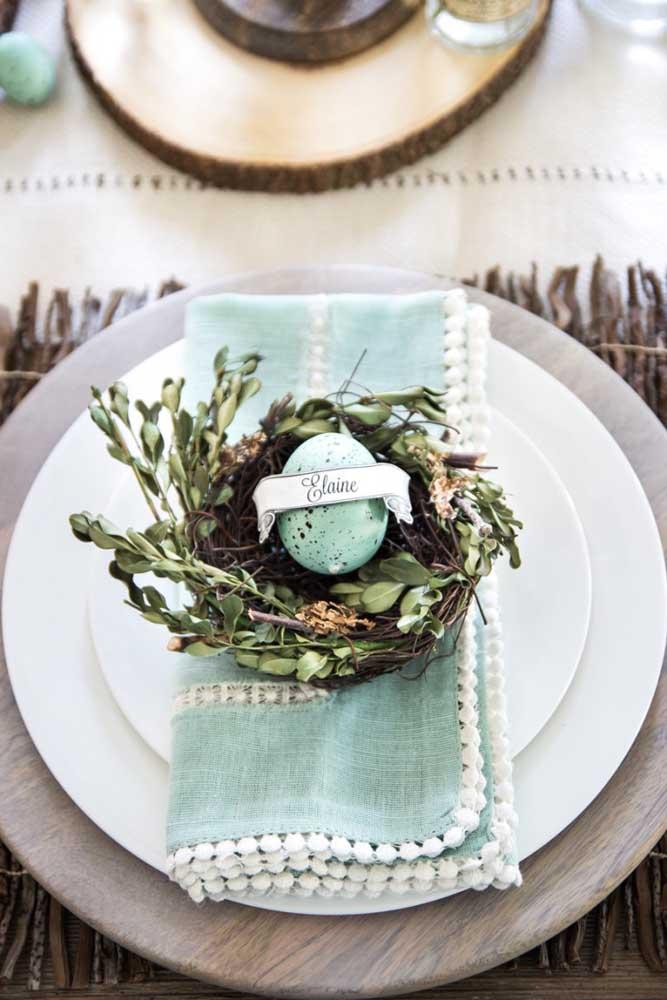 Guardanapo de tecido bordado para a mesa posta de natal