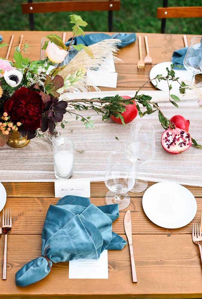 Guardanapo de tecido nobre para a mesa elegante
