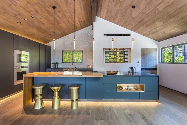 Cozinha grande: modelos, dicas e fotos inspiradoras