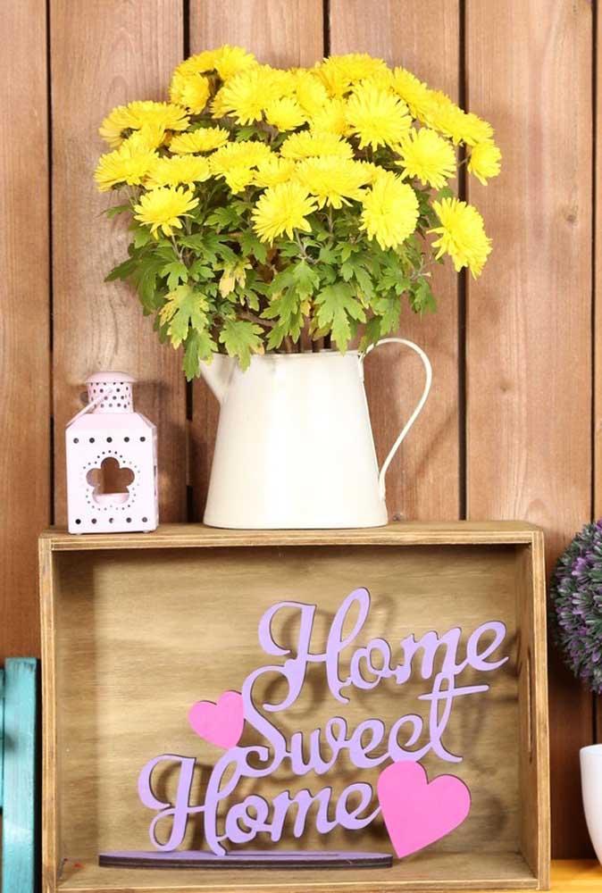 Baratas, as flores de crisântemo são uma ótima alternativa para quem deseja economizar na decoração da festa