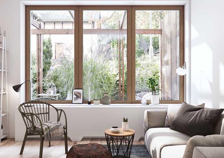 Esquadria de madeira para combinar com o projeto estético do ambiente