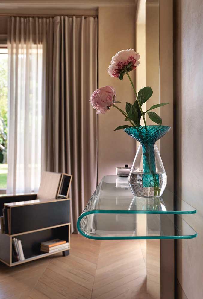 Aparador de vidro suspenso para sala de estar: elegância e modernidade