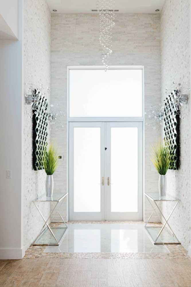 Hall de entrada espelhado