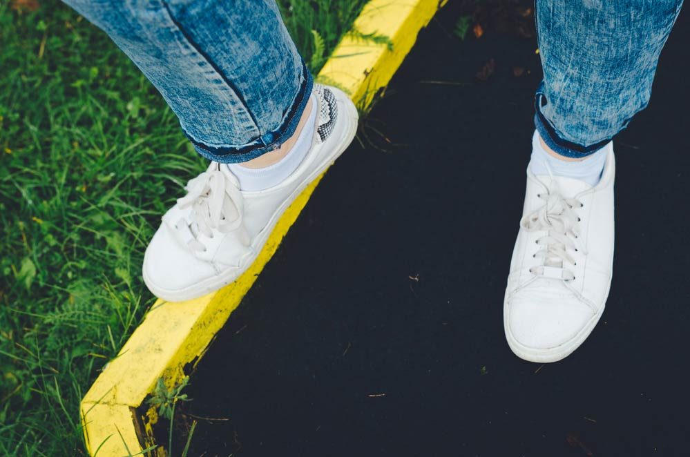 Como limpar tênis branco: os principais truques caseiros para você seguir