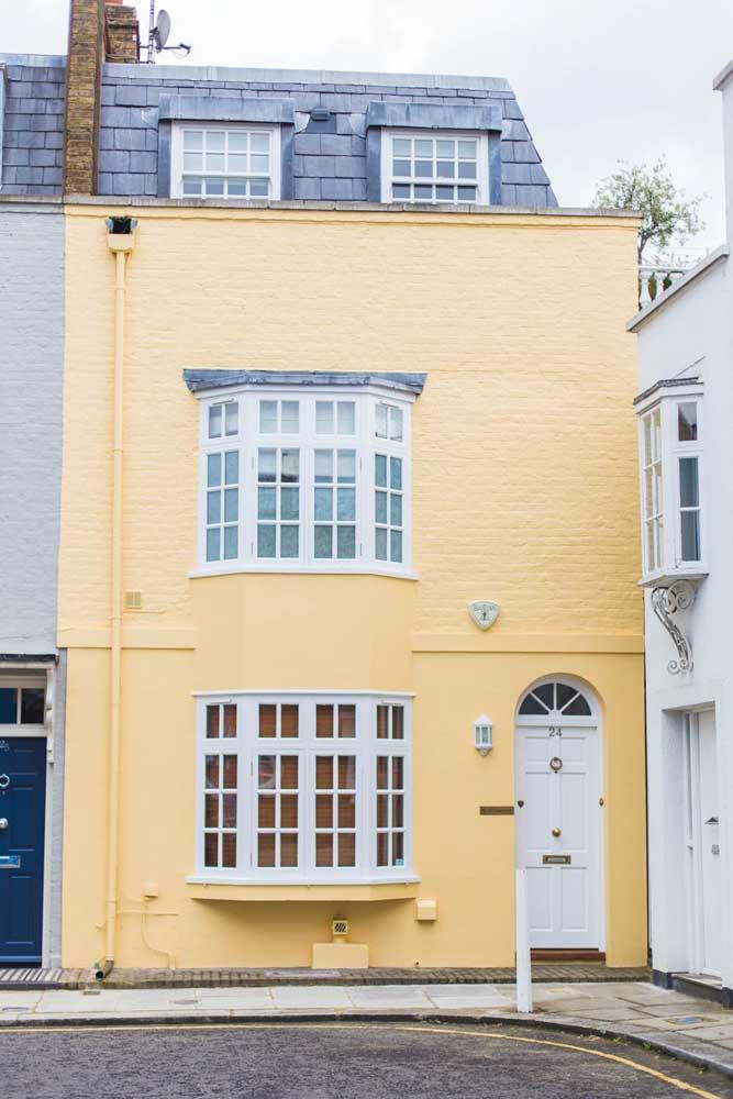Quer destacar sua casa no meio das outras? Pinte-a de amarelo
