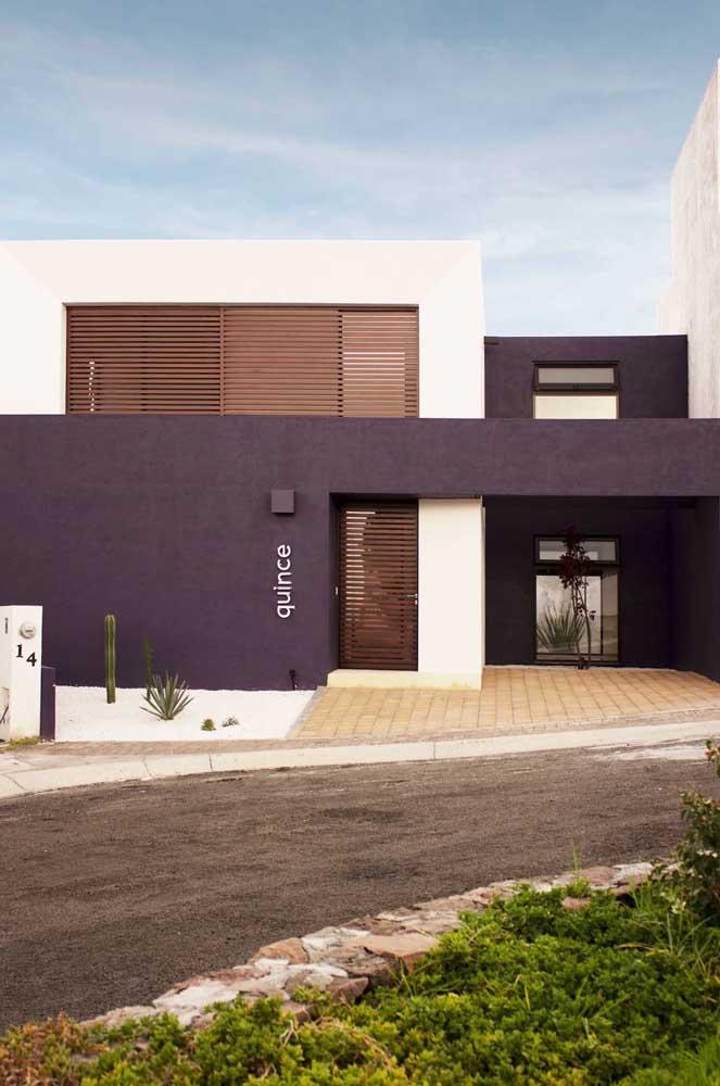 Cores bem marcadas para valorizar a fachada de arquitetura moderna
