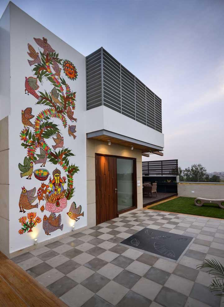 E se você adicionar um desenho super lindo na fachada da sua casa?
