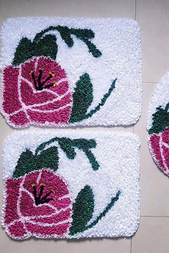 Jogo de tapete de frufru com flor para o banheiro
