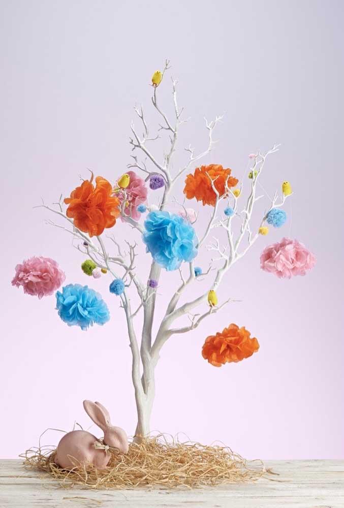 Galho seco e flores de papel de seda: um cenário e tanto para sua festa