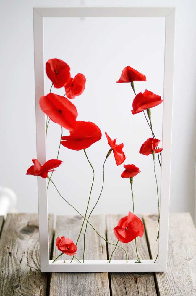Linda inspiração de arranjo com flores de papel de seda para quem curte uma decor mais minimalista