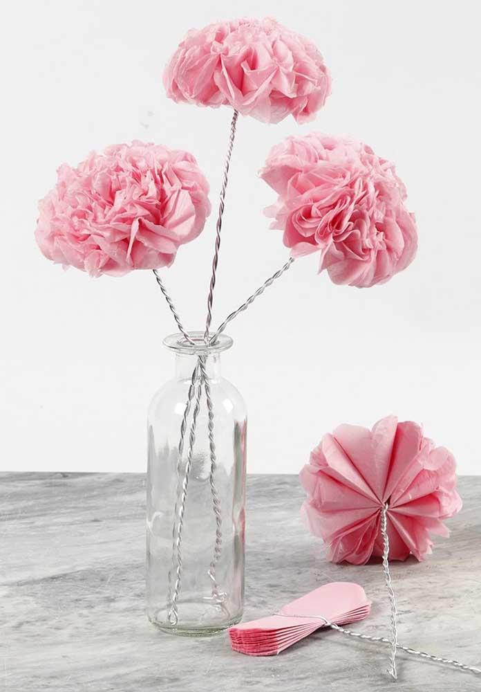 Volumosa, delicada e romântica