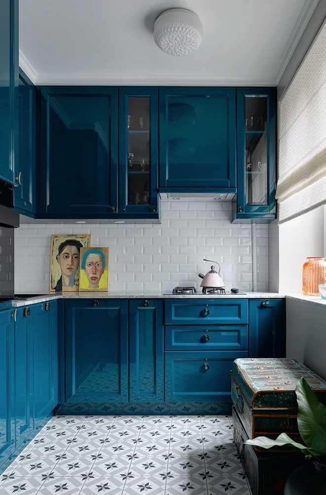 Um armário provençal azul para chamar de seu!