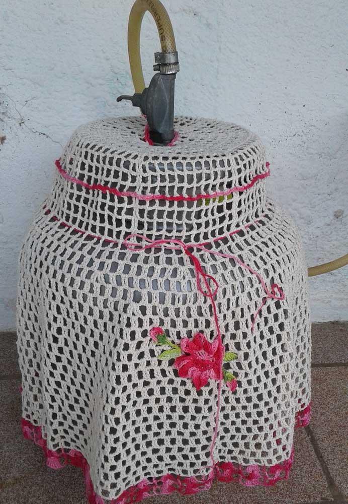 Modelo simples de capa de botijão em crochê feita em barbante