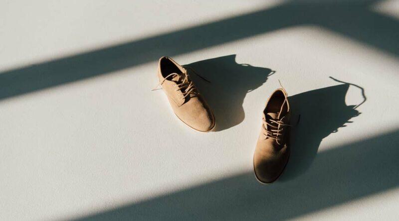 Como limpar sapato de camurça: veja o passo a passo e dicas úteis