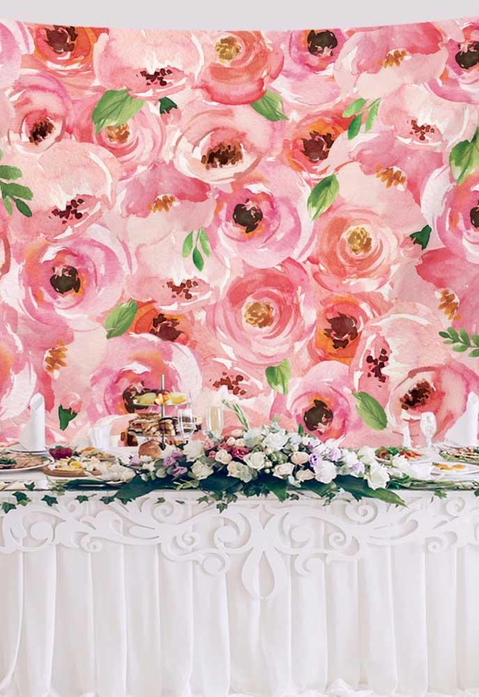 Um tecido de flores e está feito o painel de dia das mães