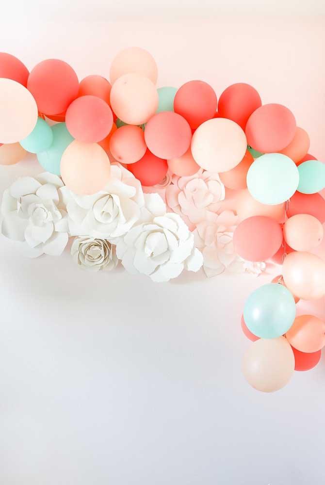 Balões e flores de papel: uma decoração de dia das mães linda, barata e fácil de fazer